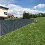 Skardinių tvorų montavimas.Tvoros segmentas Rombas 4D 40/130